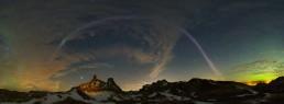 STEVE/sub auroral arc over Dinosaur Provincial Park