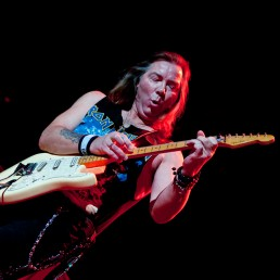 Dave Murry tapping on Bass, Iron Maiden concert