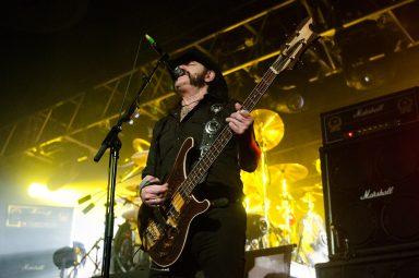 Lemmy singing and playing bass, Motorhead, Calgary